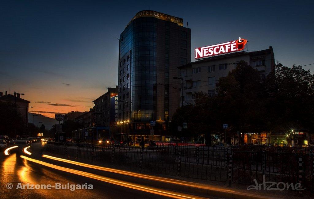 Покривна реклама NESCAFE